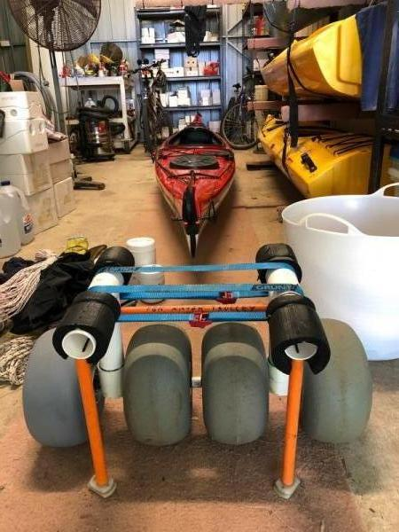 Rod Halls incredibly creative kayak cart with 4x 24 cm WheeEEZ® wheels.